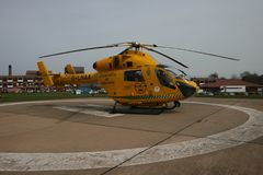 Air Ambulance helicopter ob hospital landing pad Royalty Free Stock Photos