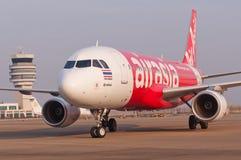 Air Asia tailandês Airbus no aeroporto de Macau Imagens de Stock
