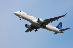 Air Astana Embraer erj-190 royalty-vrije stock afbeelding