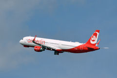 Air Berlin Airbus A321-211 / D-ABCL landing gear retracts Stock Images