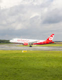 Air Berlin Boeing 737 lands Royalty Free Stock Photo
