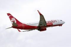 Air Berlin decola sobre Imagem de Stock