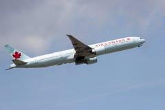 Air Canada Boeing 777 Arkivbild