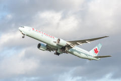Air Canada Boeing 777 Imagens de Stock