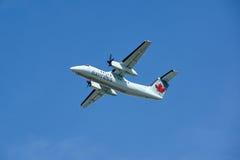 Air Canada C-FGQK lądowania Ekspresowy samolot Fotografia Royalty Free