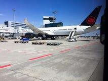 Air Canada Dreamliner op Tarmack stock foto