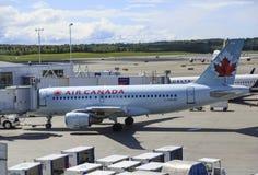 Air Canada en Anchorage imágenes de archivo libres de regalías
