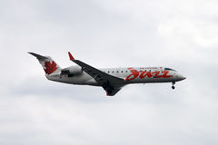 Air Canada Jazz jet landing Royalty Free Stock Photos