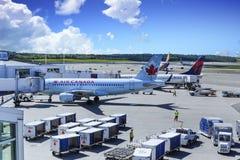 Air Canada y delta foto de archivo