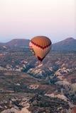 Air chaud Baloon au-dessus de Cappadocia Photos libres de droits