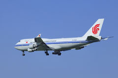 Air China Cargo Boeing 747-412BCF, aterrizaje B-2453 en Pekín, China Imagen de archivo libre de regalías