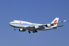 Air China Cargo Boeing 747-412BCF, aterrizaje B-2453 en Pekín, China Imágenes de archivo libres de regalías