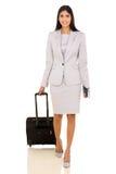 Air de déplacement de femme d'affaires Photos stock