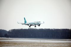 Air Dolomiti Embraer erj-195 het opstijgen I-ADJU Royalty-vrije Stock Fotografie