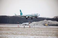 Air Dolomiti Embraer erj-195 het opstijgen I-ADJU Stock Foto