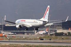 Air Europa Boeing 737-800 landend in Barcelona Lizenzfreie Stockbilder