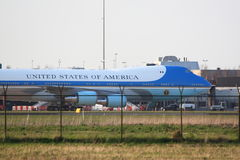 Air Force One bak staketet Arkivbild