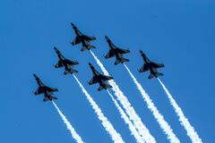 Free Air Force`s Thunderbirds Flew Over New York City In A Salute Toessential Personnel During The Coronavirus COVID-19 Pandemic Stock Photography - 181463352