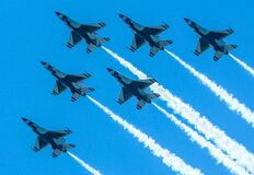 Free Air Force`s Thunderbirds Flew Over New York City In A Salute Toessential Personnel During The COVID-19 Pandemic Stock Photos - 181463363