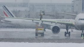Air France на сильном снегопаде, авиапорте Мюнхена