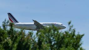 Air France Airbus acima no céu Imagem de Stock Royalty Free