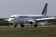 Air France Airbus A319-111 aircraft landing on the runway Stock Image