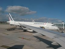 Air France Airbus A320 estacionado em Paris Imagem de Stock Royalty Free