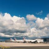 Air France echa en chorro los aeroplanos en el aeropuerto de Charles de Gaulle Fotografía de archivo libre de regalías