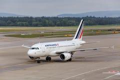 Air France KLM Airbus A318 dans l'aéroport de Zurich Photos libres de droits