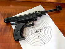 Air gun with a target and a few pellets Royalty Free Stock Photography