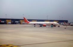 Air India no aeroporto de Nova Deli, Índia Fotografia de Stock