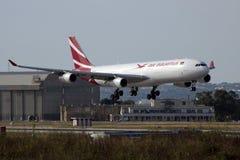 Air Mauritius A330, das für Wartung ankommt Lizenzfreie Stockfotos