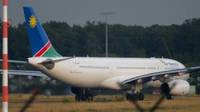 Air Namibia Airbus 330 no começo filme