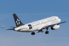 Air New Zealand Airbus A320 taking off from Sydney Airport. Stock Photography