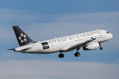 Air New Zealand Airbus A320 taking off from Sydney Airport. Royalty Free Stock Photos