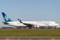 Air New Zealand Boeing 767 aircraft landing at Sydney airport. Royalty Free Stock Photos