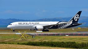 Air New Zealand Boeing 787-9 Dreamliner che decolla all'aeroporto internazionale di Auckland Immagini Stock Libere da Diritti
