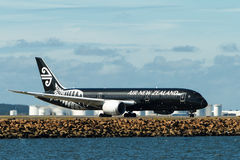 Air New Zealand Boeing 787 Dreamliner på landningsbana Arkivbilder