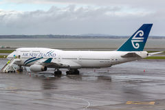 Air New Zealand Boeing 747-419 ZK-NBT no alcatrão no aeroporto internacional de Auckland Imagem de Stock