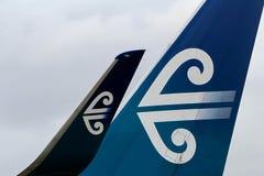 Air New Zealand-embleem op straalstaart en vleugel. Stock Foto