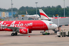 Airasia airbus at singapore airport Royalty Free Stock Photography