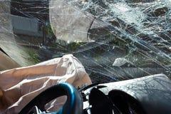 Airbags quebrados para-brisa Imagens de Stock