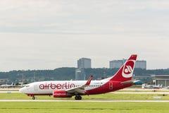 AirBerlin飞机在斯图加特机场 免版税库存照片
