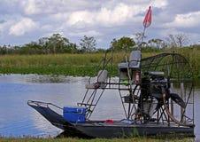 Airboat i de Florida evergladesna Arkivbild