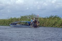 Airboat im Everglades-Nationalpark, Florida, USA Lizenzfreie Stockfotos