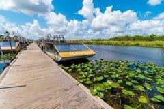Airboatdock in Nationalpark Eveglades, Florida, USA stockbilder