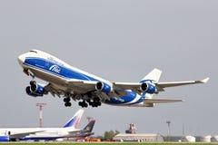 AirBridgeCargo Boeing 747 Photographie stock libre de droits