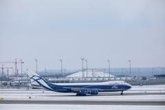 AirBridgeCargo Boeing 747-8F VP-BBP Fotos de Stock
