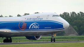 AirBridgeCargo Boeing 747 roulant au sol avant d?collage banque de vidéos