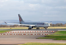 Airbus αερογραμμών του Κατάρ A330 Στοκ εικόνα με δικαίωμα ελεύθερης χρήσης